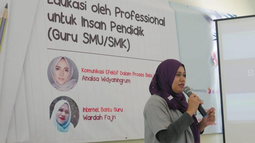 Kolaborasi XL dan Wardah Cosmetics - Ibu Wardah Fajri